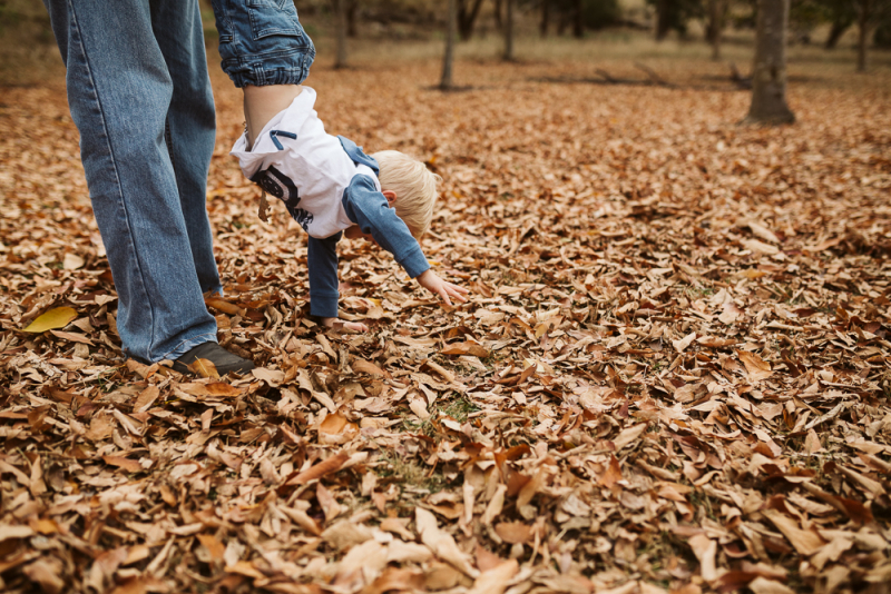 Melbourne family photographer outdoor with autumn leaves-13